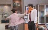 Kore Dizisinde Yemekle Adam Tokatlamak