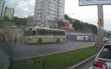 Rusya'da Freni Patlayan Otobüs Uçtu