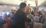 Uçakta Pilot Yolcuya Evlenme Teklif Etti