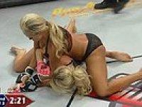 İç Çamaşırlı Kadın Dövüş Şampiyonası