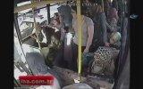 Otobüs Sapığını Linç Eden Kadınlar